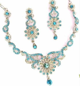 Beautiful-Blue-Jewellery-Set-2013