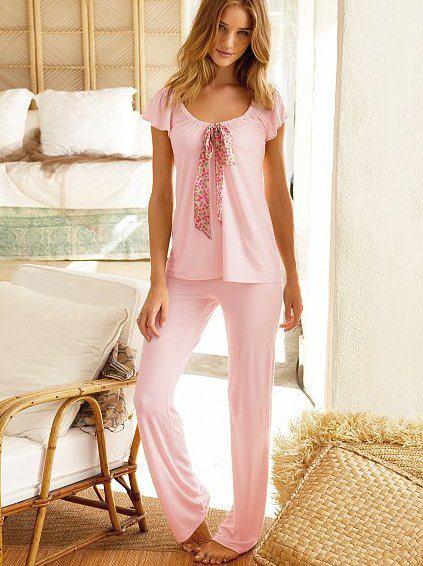 Prettiest-Night-Dresses-For-Females-10