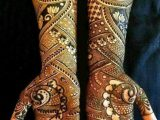 Dubai Hand Henna Designs 2021 for Girls