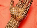 Girl Hand Pakistani Hinna Designs 2021