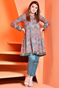 Attractive Girl Short Kurti Styles Fashion 2020