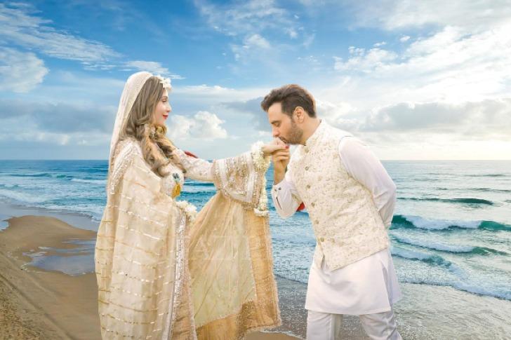 Beautiful Haroon Rashid Wife Pictures Marriage